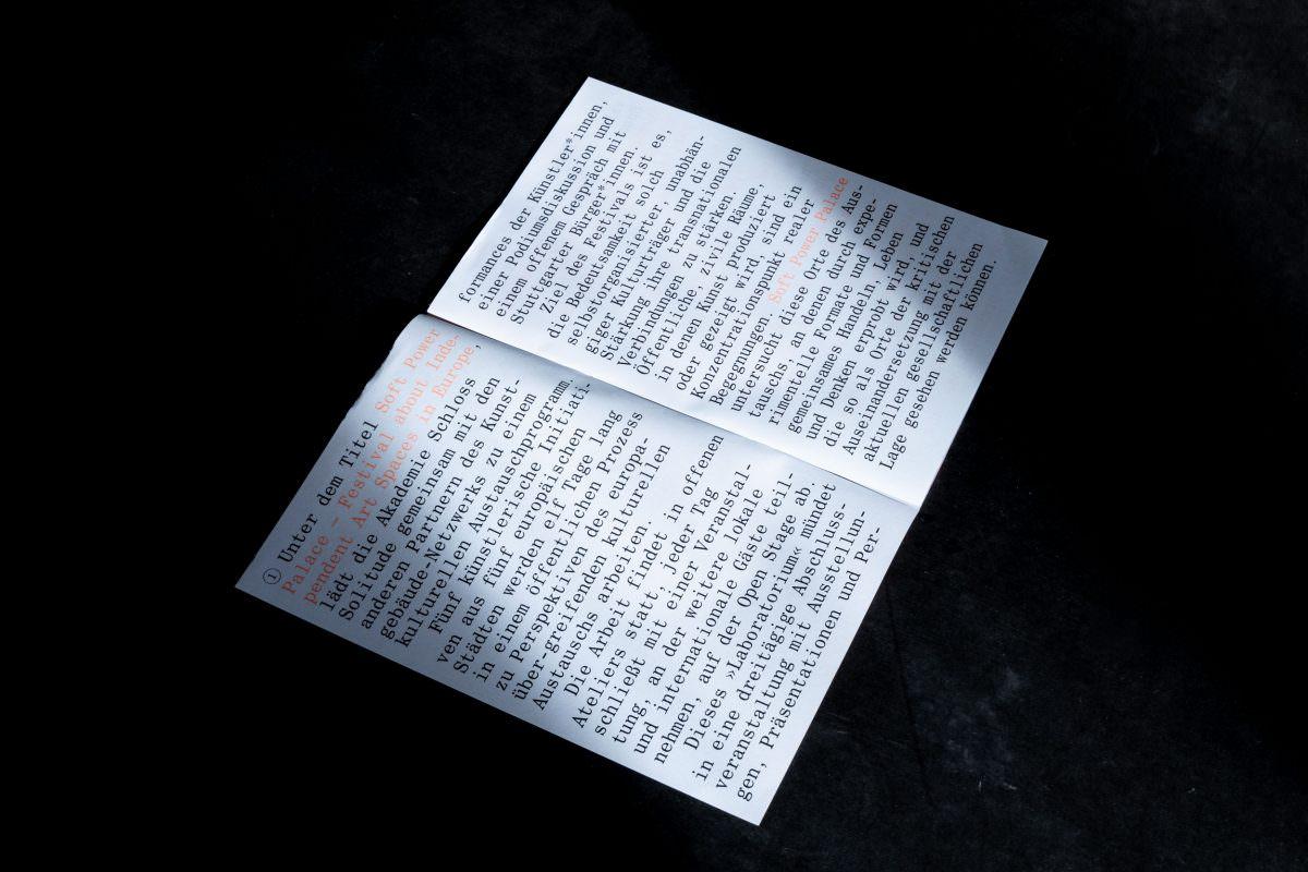 Doppelseite des Programm-Heftes für das SPP, Initiative des Kunstgebäude-Netzwerks (auch: Akademie Schloss Solitude)