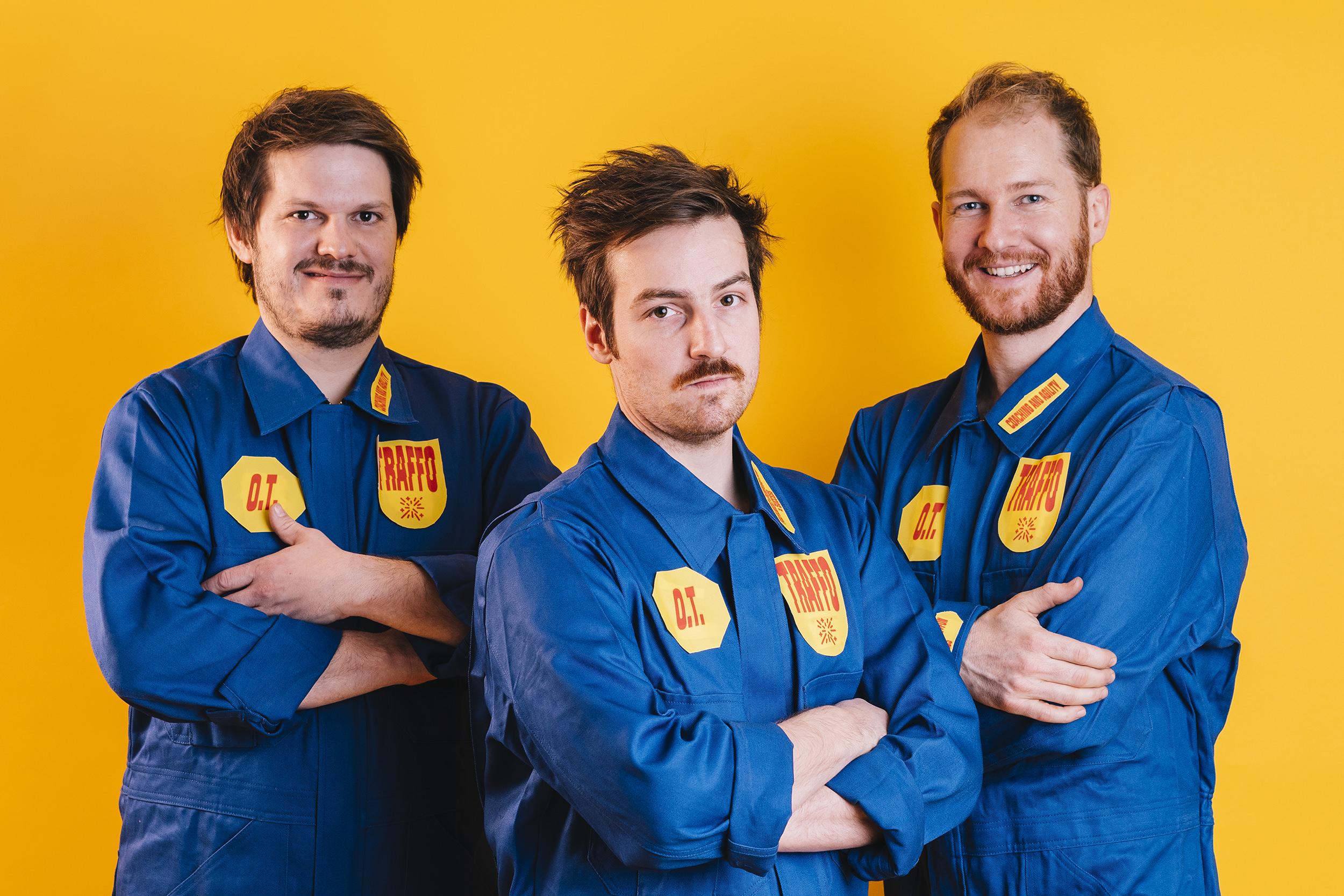 Drei der Katalystaoren von TRAFFO im Arbeitsoutfit.