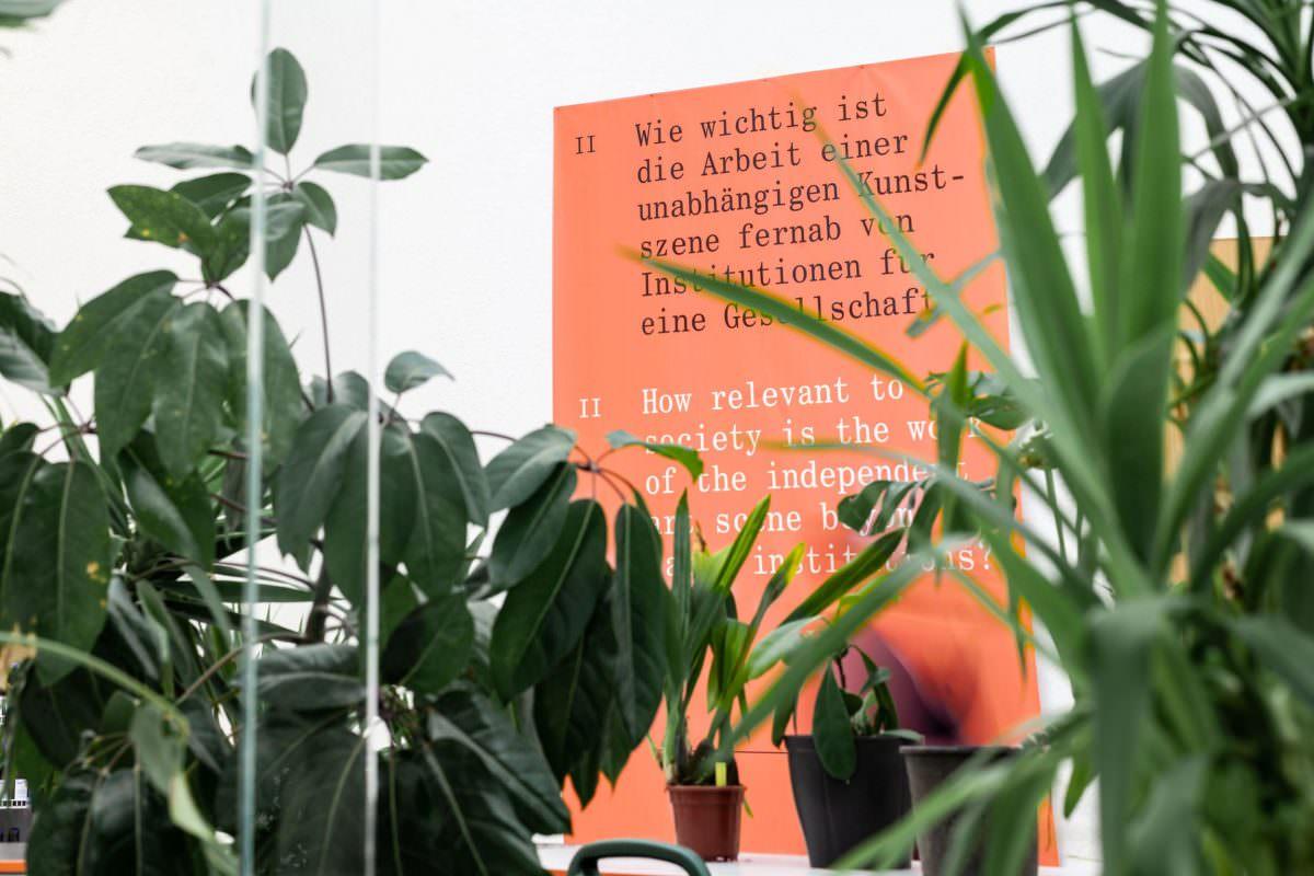 Besucher des in Stuttgart stattfindenden Europa-Festival wurden mit einem Manifest begrüßt.