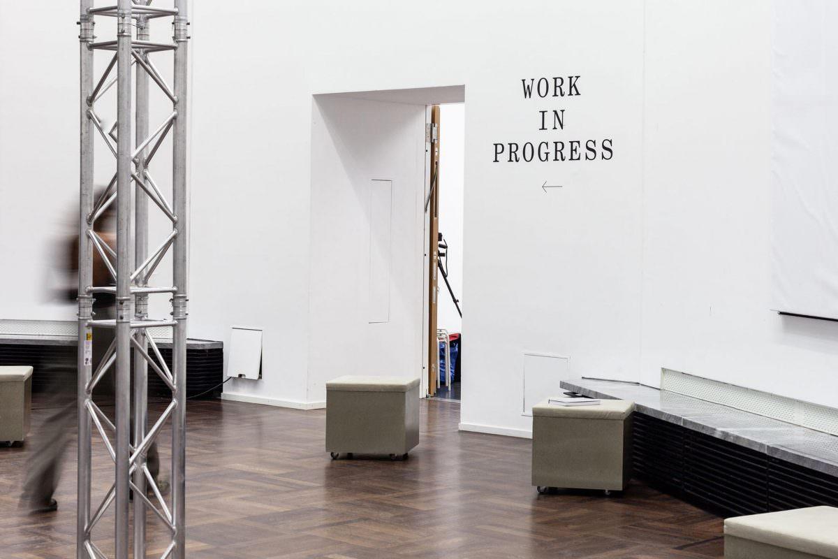 Ausstellungsdesign für Soft Power Palace, hier: Typografie aus Folie an der Wand.